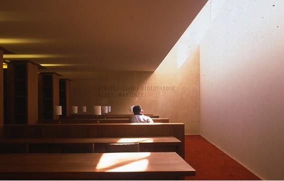 la biblioth que rom o martinez maison europ enne de la. Black Bedroom Furniture Sets. Home Design Ideas